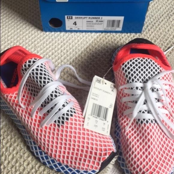 0da836673d395 Adidas Deerupt Runner J - kids size 4